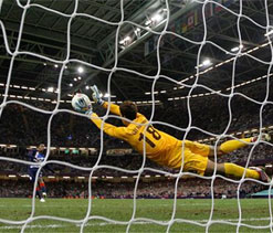 London Olympics 2012 Football: Sturridge miss sends GB crashing out