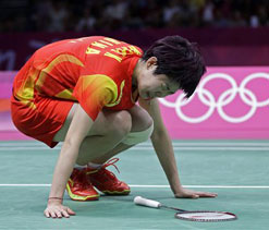 Olympics 2012: Chinese badminton head coach blames referee for player`s injury