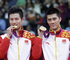 Olympics 2012 badminton: China sweeps men`s doubles titles