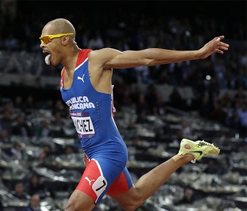 Olympic athletics: Felix Sanchez wins men`s 400m hurdles