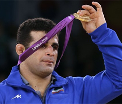 Olympic wrestling: Rezaei wins gold for Iran