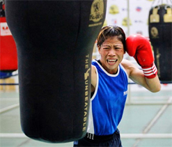 London Olympics 2012: Tributes for M C Mary Kom via twitter