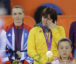 Olympics cycling: Meares pips Pendleton to cycling gold