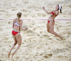 Olympic beach volleyball: May-Treanor, Walsh win 3rd consecutive Olympic gold