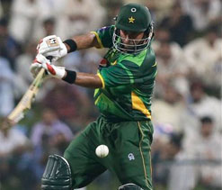 Pakistan win second ODI to level series