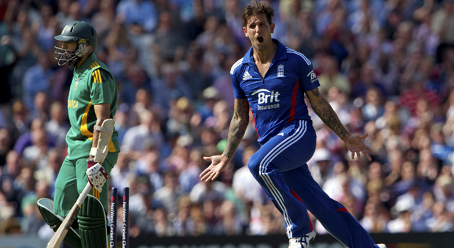 England back on top defeating South Africa in the third ODI