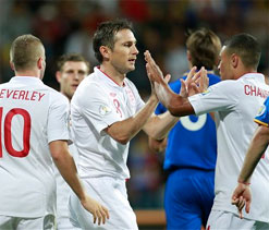 2014 World Cup qualifiers: Late Lampard penalty saves point for toothless England