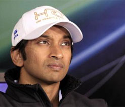 Narain Karthikeyan keen to stay at HRT for 2013