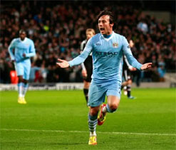 David Silva signs new five-year deal with Manchester City