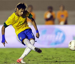 Neymar stars in Brazil`s 2-1 win over Argentina