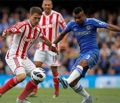 EPL 2012: Cole keeps Chelsea on top as the Blues defeat Stoke City 1-0