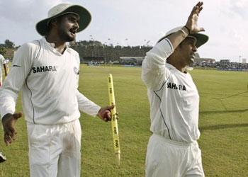 Bhajji bats for Sachin Tendulkar
