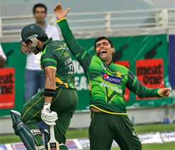 Pakistan defeat Australia to clinch T20 series after Super-Over drama