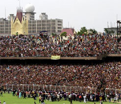 Packed Eden Gardens - a tribute to Tony Greig