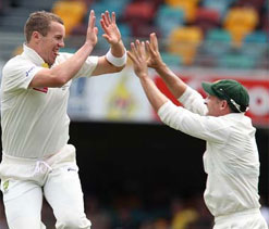 Peter Siddle says Michael Hussey's leadership traits will be missed
