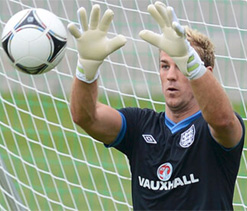 Man City goalie Joe Hart's heart beats for cricket!