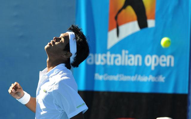 Australian Open 2013: India's Somdev Devvarman advances to second round