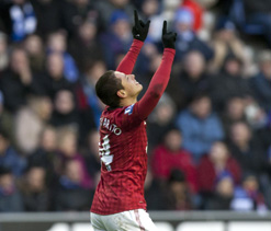 Atletico target Manchester United star Chicharito