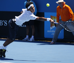 Australian Open: Valiant Devvarman loses 5-setter