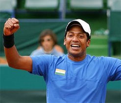 Somdev, Sania crash out; Bopanna and Bhupathi advance