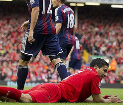 Rodgers slams Suarez for `diving` admission