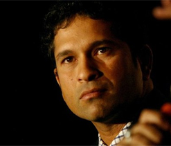 Fan breaches security to greet Tendulkar during Ranji semis