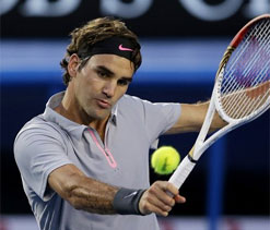 Australian Open: Federer gets past Tsonga in five-setter, to meet Murray in semis