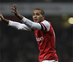 Arsenal 5-1 West Ham: Giroud & Podolski blow Hammers away