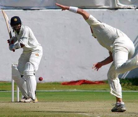 Ranji Trophy final, Day 2: Jaffer scores record-setting ton to put Mumbai on top
