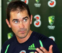 No player ready to fill Hussey's spot: Langer