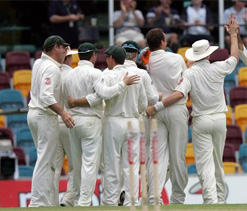 Oz takes 48 runs lead over Lanka at end of day two of Sydney Test