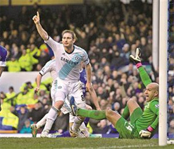 I have not spoken about Lampard`s future: Agent