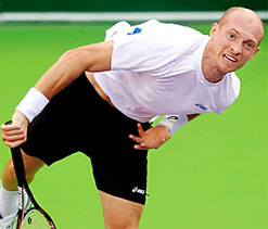 Davydenko upsets Ferrer to make Doha final