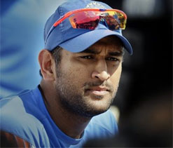 Dhoni doubtful for Delhi ODI against Pakistan, Karthik called up