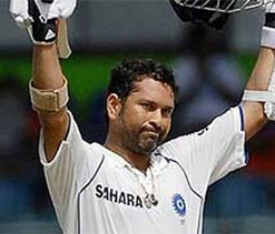 Ranji Trophy 2013: Tendulkar scores ton as Mumbai reach 272/3 on Day 1