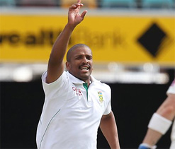 Philander again puts pressure on number one ranked Steyn