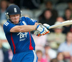 Bell scores century as England reach 294 for five