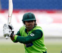 Umar Akmal draws criticism from former players