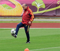 Striker conundrum for Spain ahead of Belarus visit