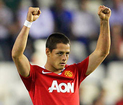 Tottenham eyeing Hernandez following striker`s concerns at Old Trafford