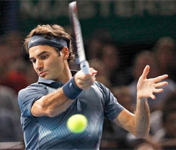 Roger Federer seals ATP World Tour finals spot