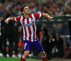 Costa, Villa keep Atletico on Barcelona`s heels