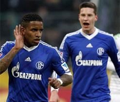 Schalke to rescue season with Champions League win