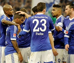 Schalke bounce back with win over Freiburg
