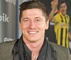 Lewandowski expresses desire to join Bayern Munich in 2014