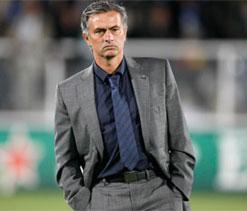 Cole won`t start against Arsenal, says Mourinho