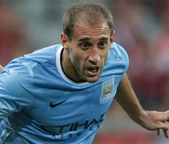 Pablo Zabaleta injury gives Manchester City a right back problem