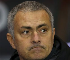 Mourinho tells Chelsea to keep looking up