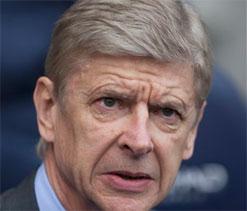 Wenger keeps faith despite Arsenal slowdown