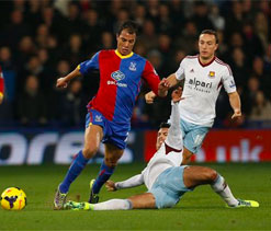 Shot-shy Chamakh heads Palace to win on Pulis home debut